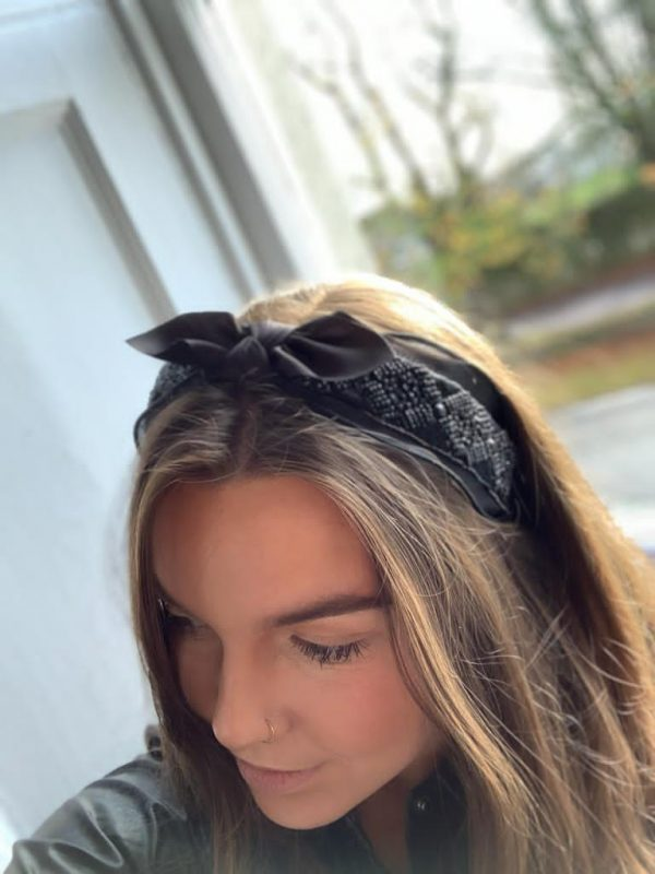 Black sequence bow